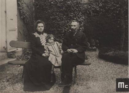 Pierre, Marie et Irène Curie