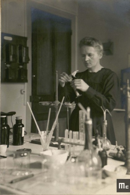 Marie Curie in her chemistry laboratory at the Radium Institute in Paris, 1921 (Source: Musée Curie; coll. ACJC)