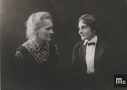 Marie Curie with Mary Meloney, 1921 (Photo Henri Manuel. Source: Musée Curie; coll. ACJC)