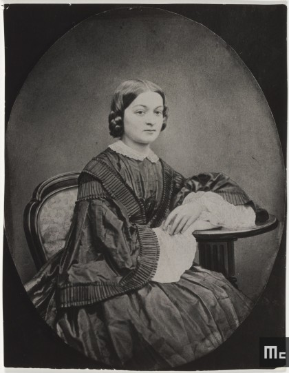 Portrait de Bronislawa Hoguska-Sklodowska (1836-1878), mère de Maria, 1860 (Photo E. Koch. Source : Musée Curie ; coll. ACJC).