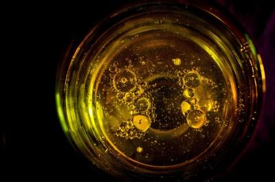 Champagne ! La valse des bulles...