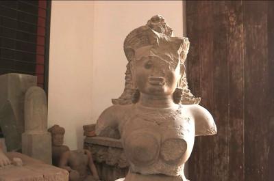 Mébon - Statue de Kali
